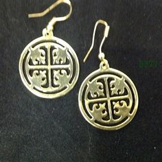 Gold Round Medallion Wire Earrings