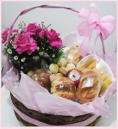 CESTAS DE CAFÉ DA MANHÃ RESENDE Gourmet Baskets, Bee Drawing, Gift Bouquet, Happy Mothers Day, Acai Bowl, Catering, Picnic, Sweets, Table Decorations