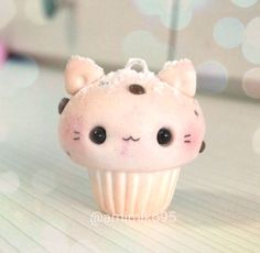 """646 Me gusta, 48 comentarios - Ariane (@amimiko95) en Instagram: """"Hi! Today I made this cat cookie cupcake charm inspired in the chocolate chip cupcake made by…"""""""