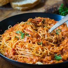 tomato cream sauce spaghetti