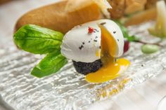 """L'arte culinaria, come qualunque arte, è sempre in trasformazione perché segue l'evoluzione del gusto."" #CucinaColta www.royalpaestum.it www.biosteriapari.it"