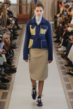 The complete Carven Fall 2018 Ready-to-Wear fashion show now on Vogue Runway.