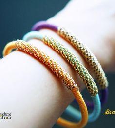 Bracelet jonc recouvert d'un fil de coton et partiellement avec de la chaîne métallique - tutoriel