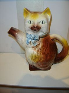VINTAGE CAT TEAPOT WEST GERMANY