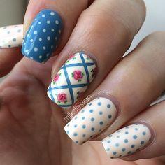 On my left hand today. Dots and a vintage flower pattern. This is so much more me than the glitter gradient  #nails #nailart #girlynailsdeluxe  #nails2inspire  #craftyfingers #nailartoohlala #notd  #thenailartstory #hairandnailfashion #nailartofficial #nailitdaily #nailsandpolkadots #rockyournails #ournailworld #sgnailartpromote #nailfeature #nailartpromote  #perfect_polishes #nailartwow #polishlicious #polishnsuch #thelacqueredlife #roses #dotticure