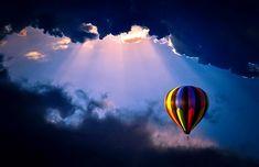 I want to go hot air ballooning high in the sky! Air Balloon Rides, Hot Air Balloon, Balloon Painting, Air Ballon, Big Balloons, Balloon Clouds, Outdoor Life, Photos Du, Beautiful World