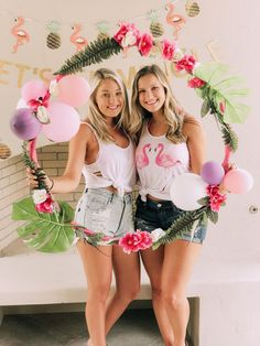 Tropical DIY Hula Hoop Wreath | These 9 DIY Hula Hoop Wreaths are the perfect, eye-catching decoration for any party or event. If you've been wondering how to make a DIY hula hoop wreath, check out some of our favorites for inspiration. These Jumbo wreaths made with hula hoops are the hottest trend right now for weddings and parties! #xokatierosario #diycrafts #diywreaths #diytrends #xokatierosario