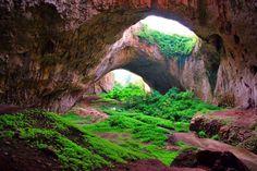 bulgaria devetaki cave
