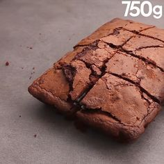 Brownie Oreo® Un brownie deux fois plus gourmand. Oreo Desserts, Chocolate Desserts, Delicious Desserts, Chocolate Oreo, White Chocolate, Brownie Recipes, Cake Recipes, Dessert Recipes, Oreo Brownies