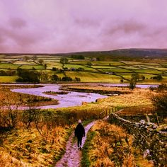 http://www.yorkshire.com/places/yorkshire-dales/reeth