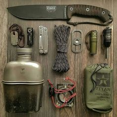 Spending time outdoors camping or hiking can be a lot of fun. However, all the excitement can turn out to be a fight for survival if you got lost. Bushcraft Skills, Bushcraft Camping, Bushcraft Knives, Camping Survival, Outdoor Survival, Outdoor Gear, Camping Gear, Camping Essentials, Survival Gadgets