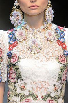 Dolce & Gabbana Fall 2012 - Details
