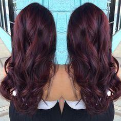 Dark Red Hair Color-dark red and red hair colors - New Hair Dark Red Hair, Hair Color Dark, Mahagony Hair Color, Dark Cherry Hair, Brown Hair, Pelo Color Vino, Hair Color And Cut, Balayage Hair, Purple Balayage