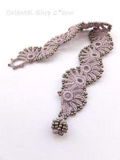 oya crochet bracelet Crochet Jewellery, Crochet Bracelet, Textile Jewelry, Needle Lace, Bangles, Bracelets, Crochet Accessories, Collars, Jewelery