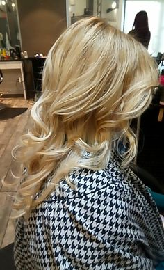 Curl Blowdry Blow Dry, Salons, Curls, How To Find Out, Long Hair Styles, Beauty, Lounges, Long Hairstyle, Long Haircuts