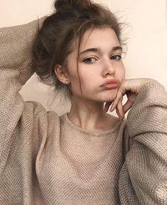 Bild Girls, Instagram Look, Selfie Poses, Tumblr Girls, Aesthetic Girl, Girl Photos, Pretty People, Portrait Photography, Photography Basics