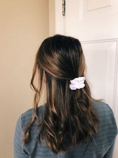 hairstyles for school ~ hairstyles ; hairstyles for thin hair ; hairstyles for medium length hair ; hairstyles for short hair ; hairstyles for long hair ; hairstyles for thin hair fine ; hairstyles for black women ; hairstyles for school Messy Hairstyles, Pretty Hairstyles, Hairstyle Ideas, Quick Hairstyles For School, Active Hairstyles, Casual Hairstyles For Long Hair, Teen Girl Hairstyles, Male Hairstyles, Layered Hairstyles