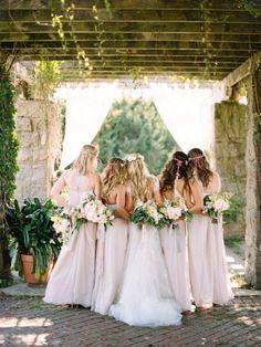 sweet-bridal-party-back-wedding-photo-ideas.jpg (600×800)