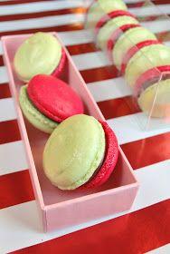 Sweets and Loves: Christmas Macarons - Tis the Season to be Jolly lalalalala lalalala