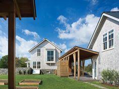 Custom Homes Strive for Energy Independence - Projects, Single Family, Green Design, Energy Efficiency - residentialarchitect Magazine