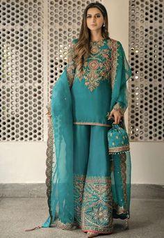 Pakistani Fancy Dresses, Beautiful Pakistani Dresses, Pakistani Fashion Party Wear, Pakistani Wedding Outfits, Indian Fashion Dresses, Pakistani Dress Design, Bridal Outfits, Beautiful Dresses, Pakistani Clothing
