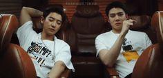 sleeping beauty waking up to 👏🏼 Chanyeol, Exo, W Korea, How To Have Twins, I Miss Him, Cute Boys, Sleeping Beauty, Film, Music
