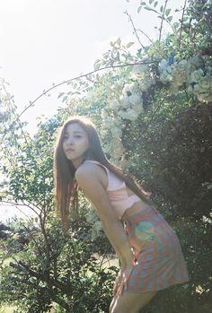 """f(x) présente les photos teasers de Luna pour """"4 Walls"""""""