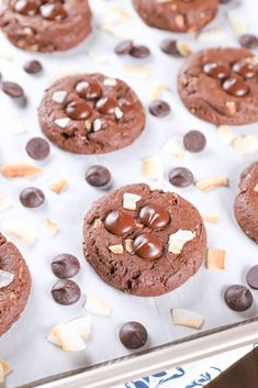 Easy recipe for Chewy Dark Chocolate Coconut Cookies! Easy recipe for Chewy Dark Chocolate Coconut Cookies! Chocolate Chip Shortbread Cookies, Toffee Cookies, Chocolate Marshmallows, Spice Cookies, Drop Cookies, Yummy Cookies, Ginger Cookies, Easy Cookie Recipes, Dessert Recipes