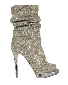 Le Silla, the Italian brand and brainchild of Enio Silla, has my heart yearning for these boots!!