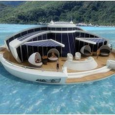 Floating Luxury Resort Only With Affordable Solar Cells For Energy Generation via Envirgadget  - via @trapit