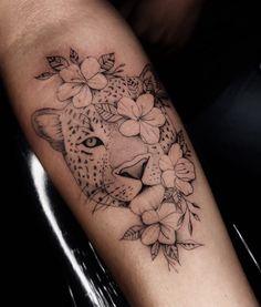 New art tatoo: Dope Tattoos, Diskrete Tattoos, Body Art Tattoos, Tatoos, Tattoos Skull, Jaguar Tattoo, Leopard Tattoos, Animal Tattoos For Women, Arm Tattoos For Women