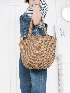 Celine Belt Bag, Jute Bags, Yarn Projects, Market Bag, Cute Designs, Casual Looks, Straw Bag, Etsy, Knitting