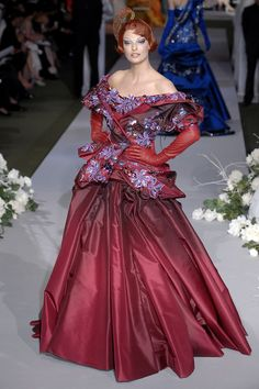 John Galliano for The House of Dior, Autumn/Winter Couture Dior Fashion, Couture Fashion, Runway Fashion, Fashion Show, John Galliano, Galliano Dior, Ball Dresses, Nice Dresses, Haute Couture Paris