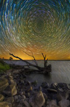 15 Beautiful Long Exposure Photographs of Star Trails Traversing the Night Sky