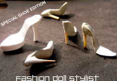 For me, the most important--and complex--part of a doll shoe making is the sole. After all, we can wrap a bit of ribbon around the doll's. Diy Barbie Clothes, Barbie Shoes, Doll Shoes, Barbie Dolls, Doll Shoe Patterns, Barbie Sewing Patterns, Clothes Patterns, Dollhouse Shoes, Diy Dollhouse