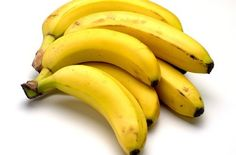 We all love bananas but just how many calories are in a banana? Find out the number of calories in various sizes of bananas right here. We also explain many other banana nutritional facts. Best Muscle Building Foods, Lower Heart Rate, Banana Health Benefits, Banana Nutrition, Banana Hair Mask, Fertility Smoothie, Smoothie Fruit, Smoothies, Diabetes