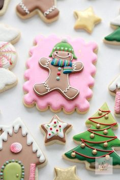 Cookie Decorating Royal Icing Tips Christmas Sugar Cookies, Halloween Cookies, Holiday Cookies, Christmas Desserts, Christmas Treats, Christmas Baking, Basic Cookies, Iced Cookies, Cute Cookies