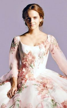 Heres Your First Look At Emma Watson In Belles Celebration Dress