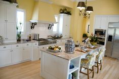 If you are trying to make your kitchen or dining area a little more cozy or you are working with a slightly smaller space, yellow would be a great consideration.