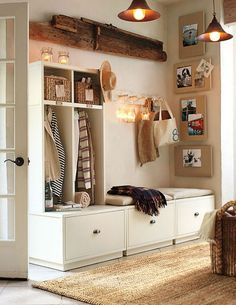 5Useful entryways will incorporate the following: – Somewhere specific and neat to drop your keys/purse/wallet; – A place to hang your bag/jacket/scarf/umbrella; – A seat or a bench where you can sit and put on/take off shoes; – A somewhere to put incoming mail.