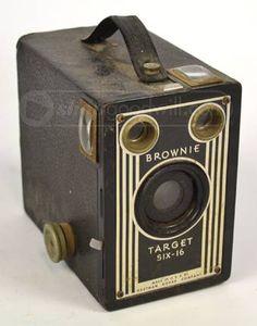 Vintage Kodak Brownie Camera: Six-16 Brownie Kodak box camera ...