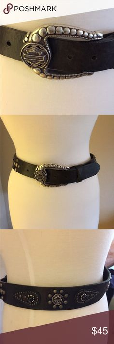 Harley Davidson Belt Ladies Smokin Hot Harley Davidson belt in used condition. This belt is so unique staring with the silver plated buckle. Super cool Harley logo embellishments and black stones. Color is brownish black with a fatigued  look.            Nonsmoking **** Harley-Davidson Accessories Belts