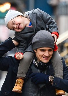 Orlando Bloom and his son Flynn. This is too much cute! I love Orlando and now there's two! lol i can't wait to see how much he looks like his father when he gets older.