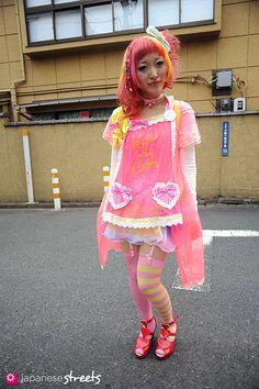 KUMAMIKI  Harajuku, Tokyo  AUTUMN, 2011, GIRLS  Kjeld Duits