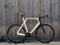 Suite à ARVAK et ALÉRION nous retrouvons la marque de vélo en bois KEIM pour sa nouvelle mouture, HONZA présenté à Bespoked Handmade Bicycle Show à Bristol.