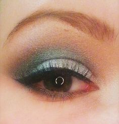 Green and silver holiday christmas makeup urban decay vice 2 palette