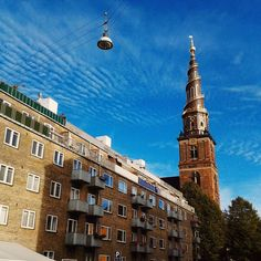 Vor Frelsers Kirke (Church of Our Saviour) is a 17th century church in Copenhagen with a spire that has steps on the outside. Next time I'd like to go up for the view over the city. #visitdenmark