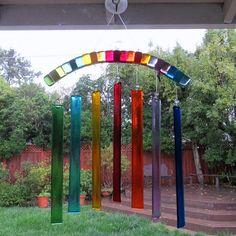 Garden Art Ideas Wind Chimes Fused Glass Ideas For 2019 Glass Wall Art, Fused Glass Art, Stained Glass Art, Mosaic Glass, Glass Fusion Ideas, Glass Wind Chimes, Glass Installation, Rainbow Wall, Garden Art