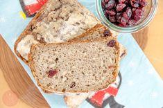 Ekspresowy przepis na przepyszny chleb z żurawiną i słonecznikiem, chrupiącą skórką i wspaniałym miękkim miąższem. Prosty przepis