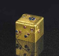 A JEWELED GOLD BOXBY FABERGÉ, WITH THE WORKMASTER'S MARK OF AUGUST HOLMSTRÖM, ST. PETERSBURG, CIRCA 1890 | credit : christies.com